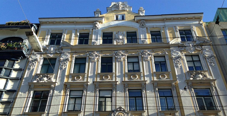 Schöne Hausfassade_Wien_1070_Altbau