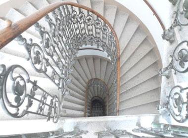 Whg 1030Stiegenhaus von oben 1030 Wien Altbau Wohnung Stilaltbau Erstbezug saniert Landstraße