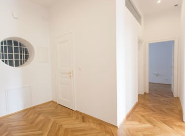 Whg 1070:2_Vorraum 1070 Wien Altbau Fischgrät Luxus Wohntraum saniert