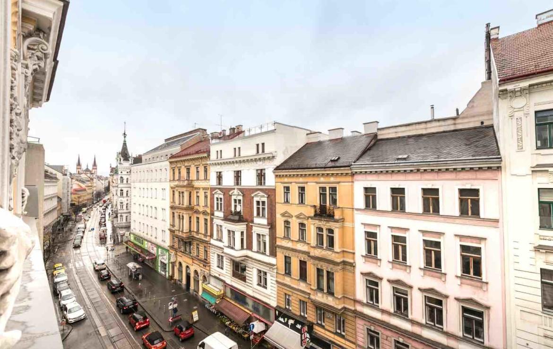 1070_Wien_Wohnung_schöner Ausblick auf Straße